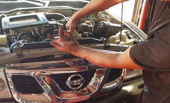 החלפת שמן מנוע לרכב